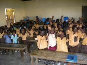 Kinder des Denchemouso Kindergarten